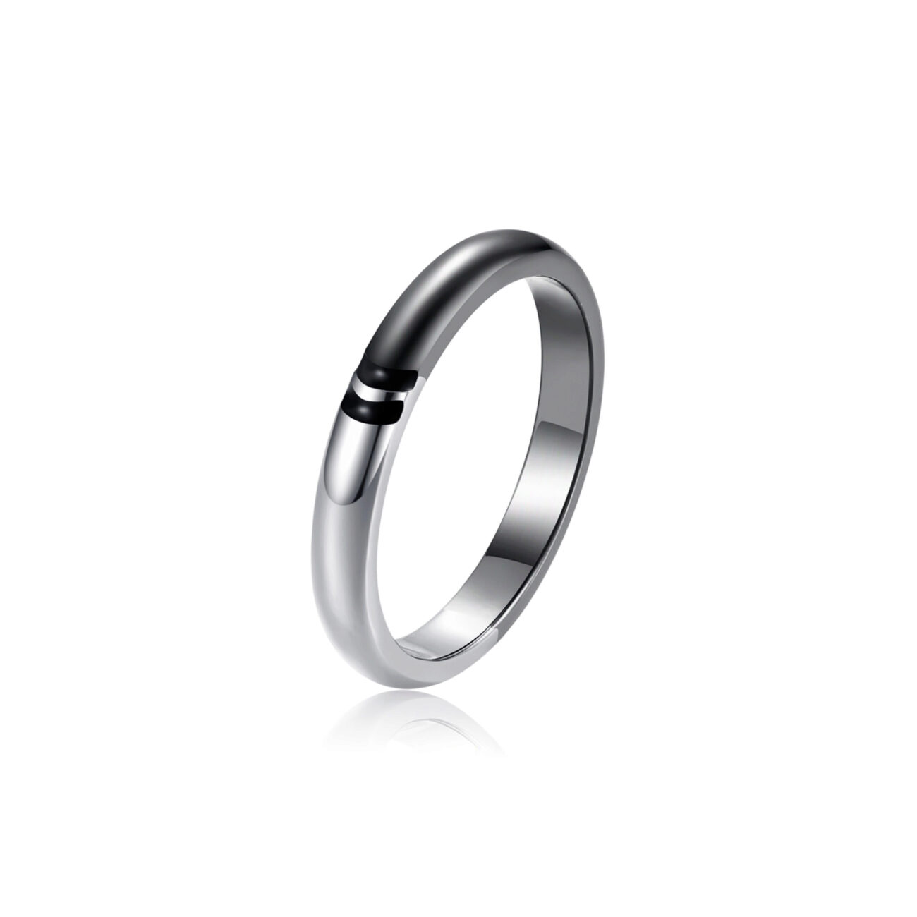 Slim ring in 316L stainless steel, gray gun pvd, shiny steel finishes and enamel details in deep black color.