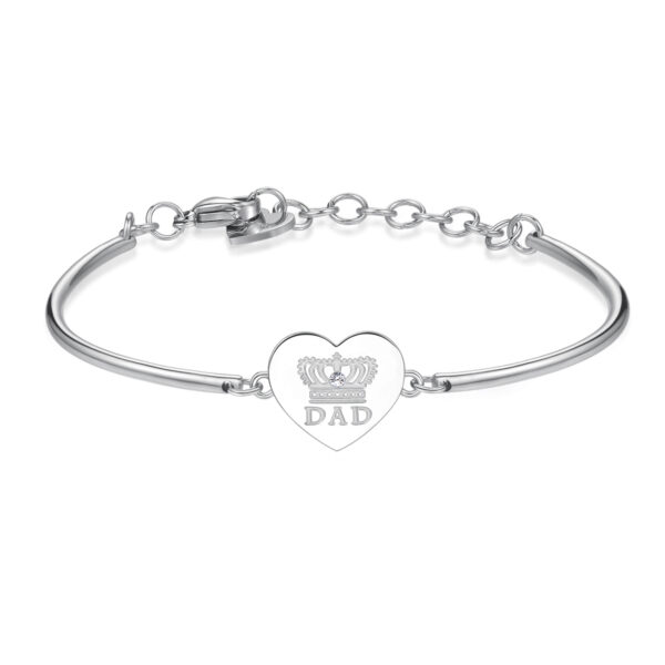 DAD: WISDOM, LOVE, HARMONYENGRAVINGS:Dad (front) - You are my King (back)I'll never forget your words, your advice, your glances, your hugs, our games. You're the sun that lights up my life, you're special... dad!316L stainless steel with an engraving and Swarovski® crystal.